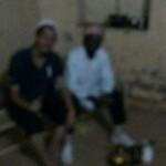 Dok/Imam Muhammad Daniel, kanan, bersama penulis. Gambar sengaja dikaburkan sesuai permintaan narasumber.