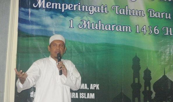 Ketua tim Antisipasi Pemurtadan dan Kristenisasi (APK) Ustaz Syafril Sedang Mengisi acara