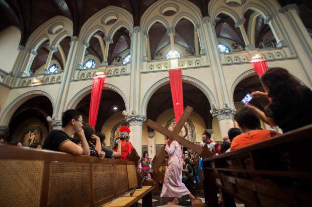 Jalan Salib jumat-agung-katedral