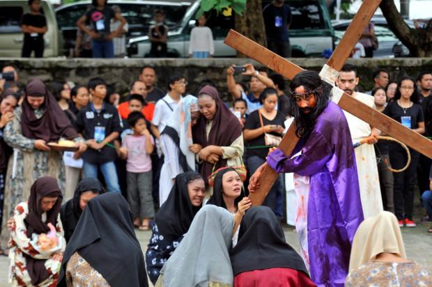 Kristenisasi foto-jalan-salib di tanggerang 3