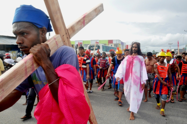 aksi kristen jalan-salib-di-timika
