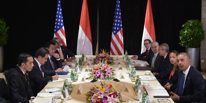 Jokowi dan Obama dalam sebuah pertemuan diplomasi politik antar kedua negara