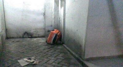 Illustrasi sebuah tas yang diduga berisi bom