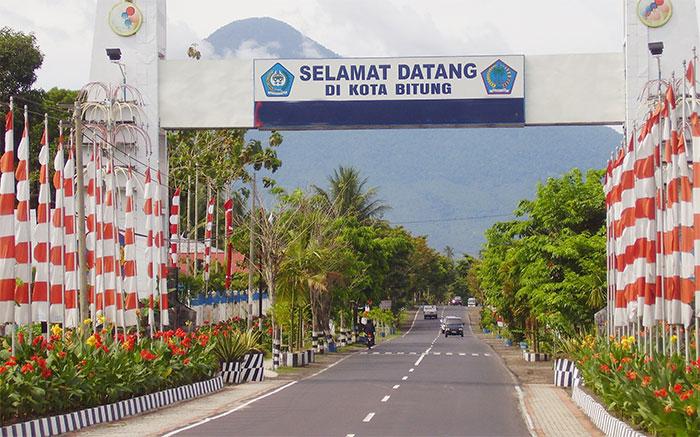 Gerbang masuk kota Bitung