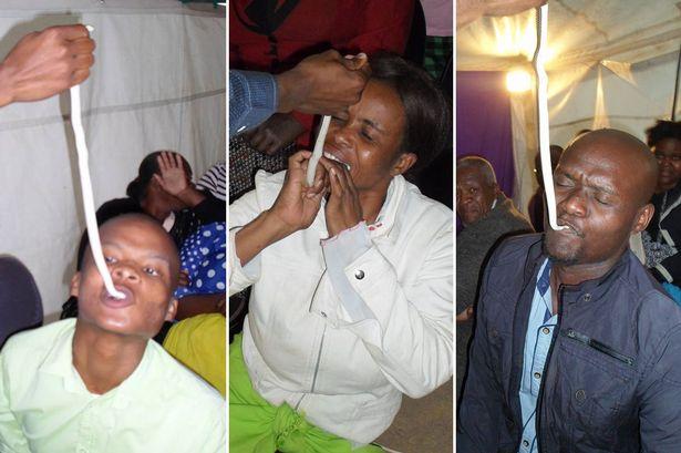 Jema'at gereja yang diperintahkan pendetanya memakan ular hidup-hidup