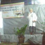 Ust.Mudzakir Husain ketika menyampaikan ceramah.
