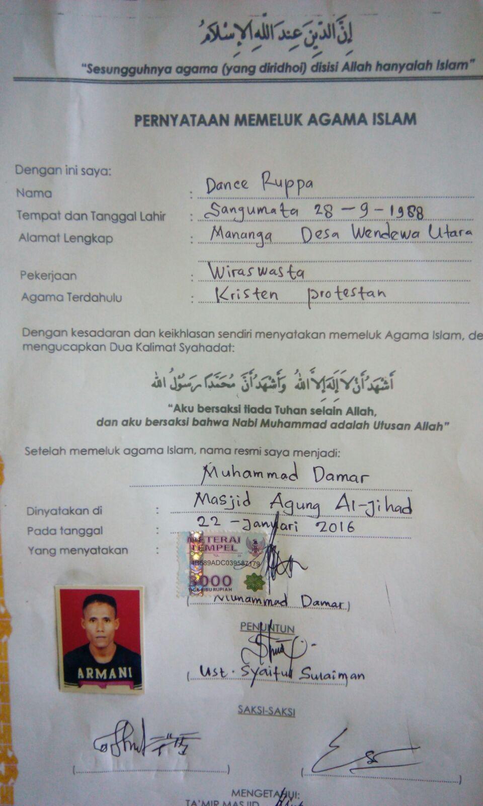 Sertifikat tanda bukti telah masuk Islam milik Dance Ruppa/Muhammad Damar.