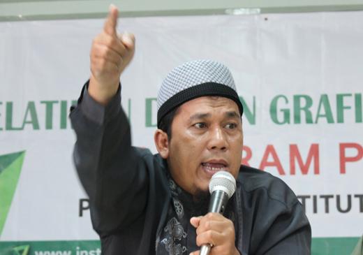 Ust.Bernard Abdul Jabbar mantan penginjil yang sekarang menjadi mubaligh.