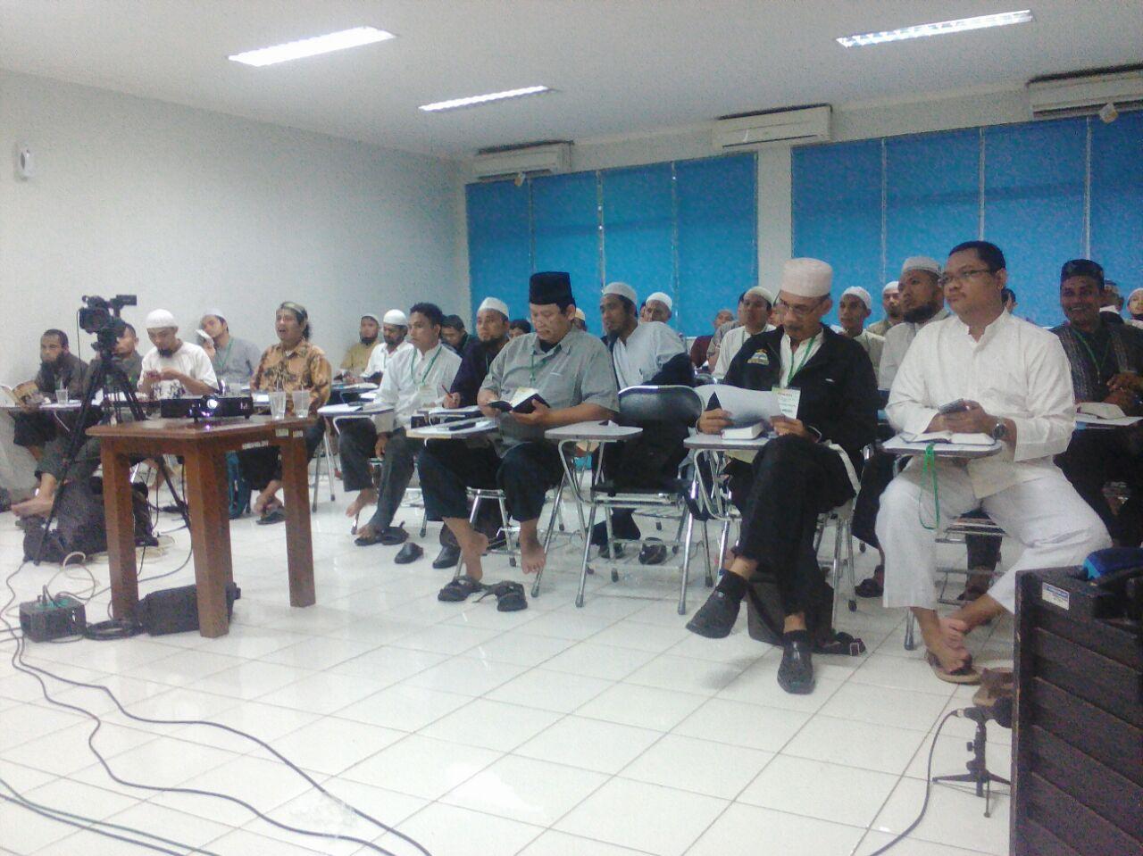 Para peserta di tengah acara dauroh.