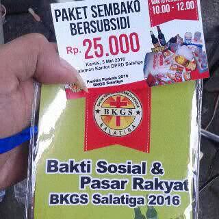 Wujud kupon paket sembako murah baksos Paskah di halaman DRPD kota Salatiga.