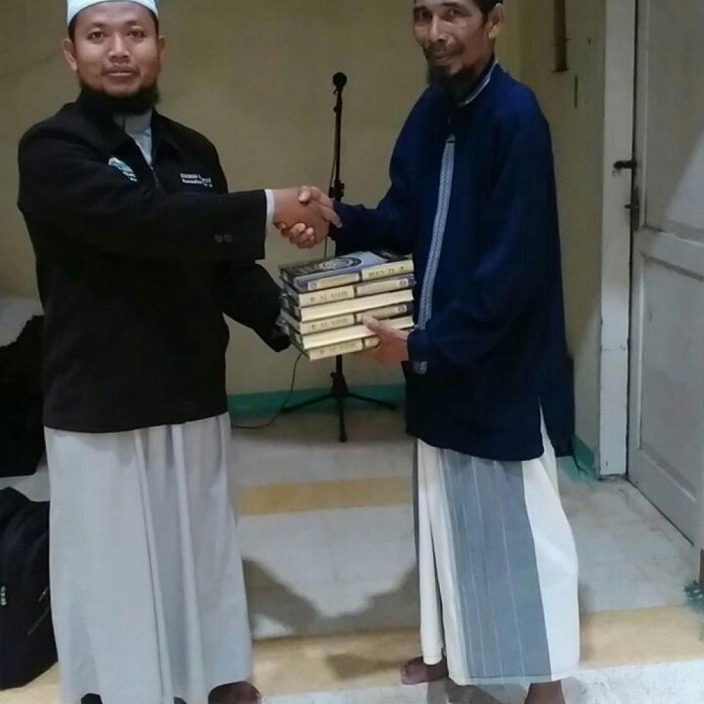 Pembagian Al Quran Di Aceh Bireun