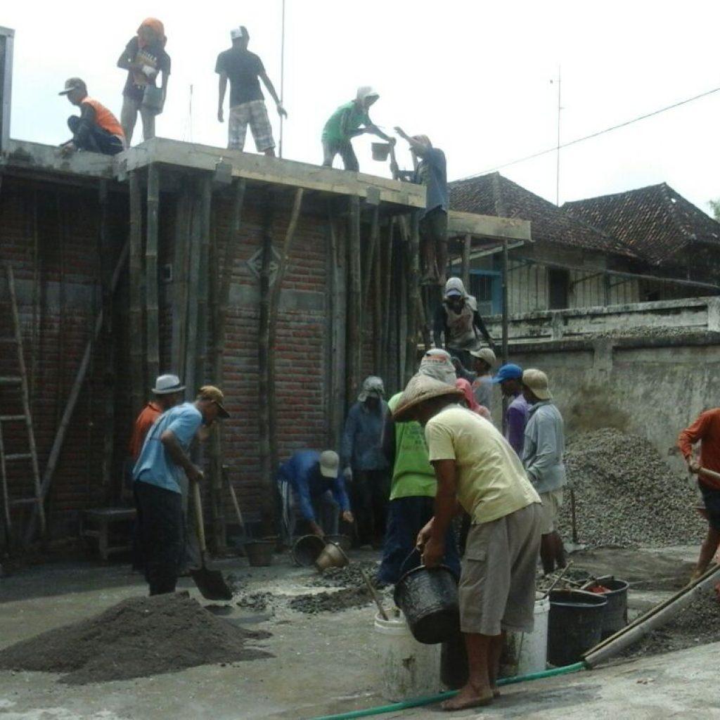 Proses pengecoran Masjid di Getasan