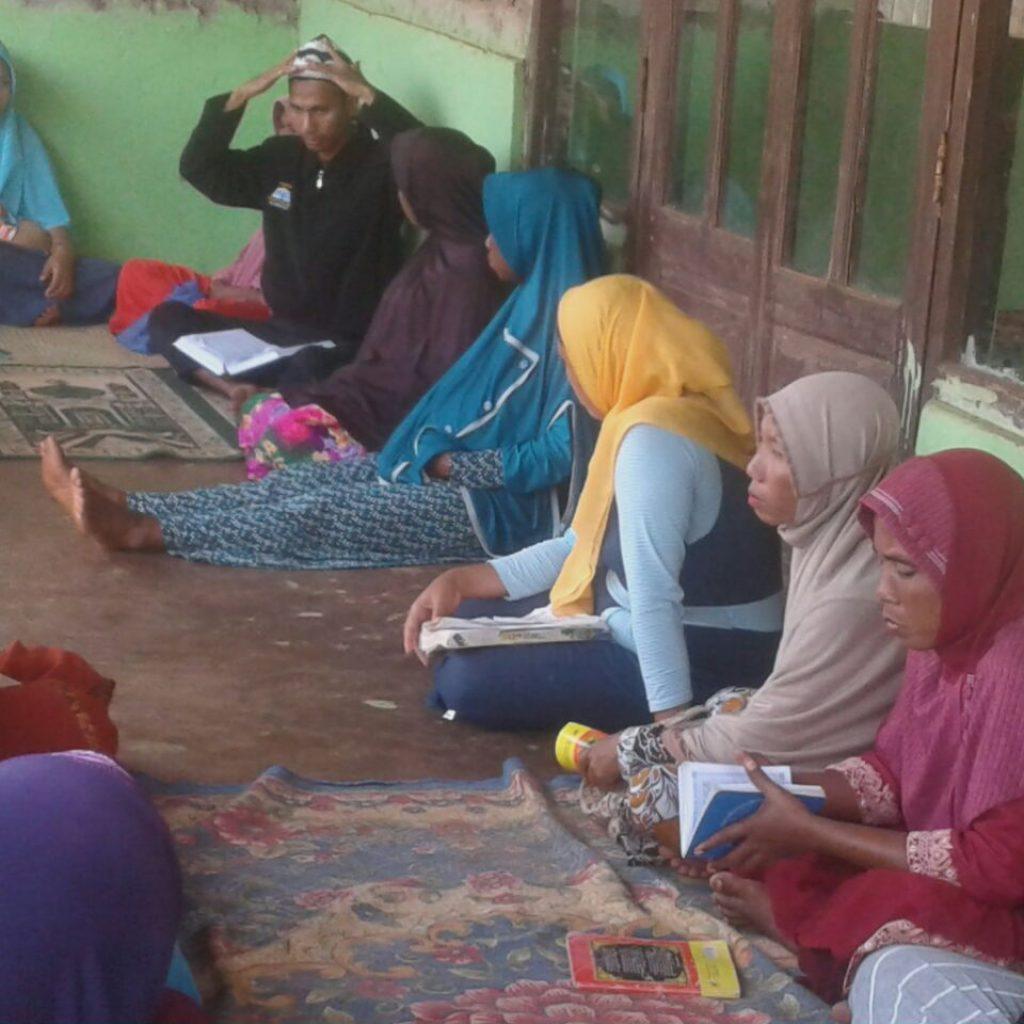 Ust Anwar Adi sedang menjelaskan tentang whudu