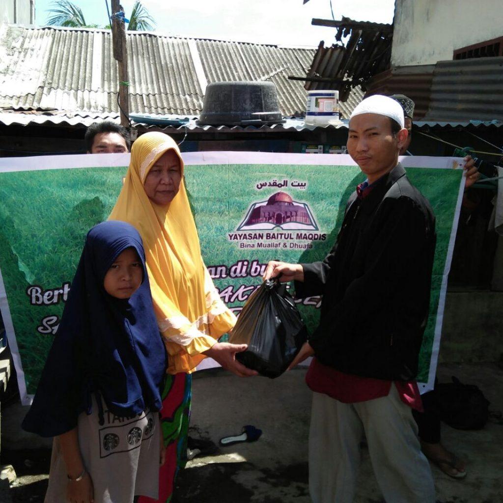 YBM Cabang Sumut Berbabgi Dengan Yatim, Dhuafa' dan Muallaf