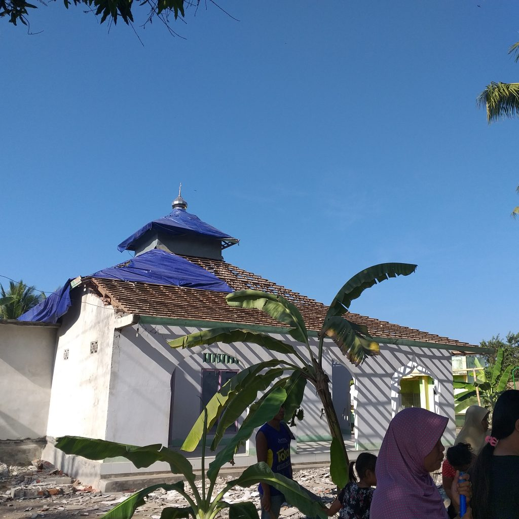 Masjid Al Muniroh, mejadi pusat berkumpul warga, ibadah, aktifitas dakwah