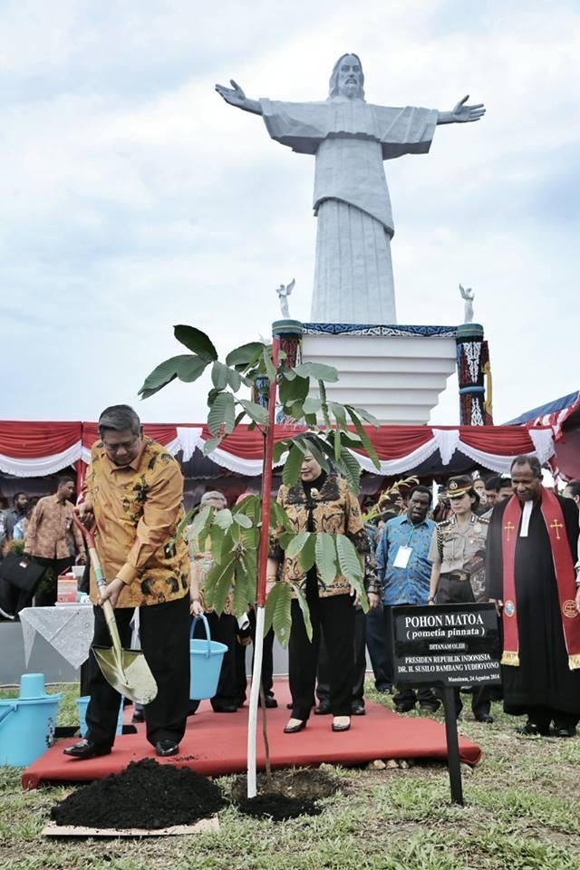 Diawali Dengan Basmallah, SBY Resmikan Situs Kristen