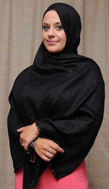 Carley Watts : Mantan Model Pakaian Wanita Menjadi Muallaf