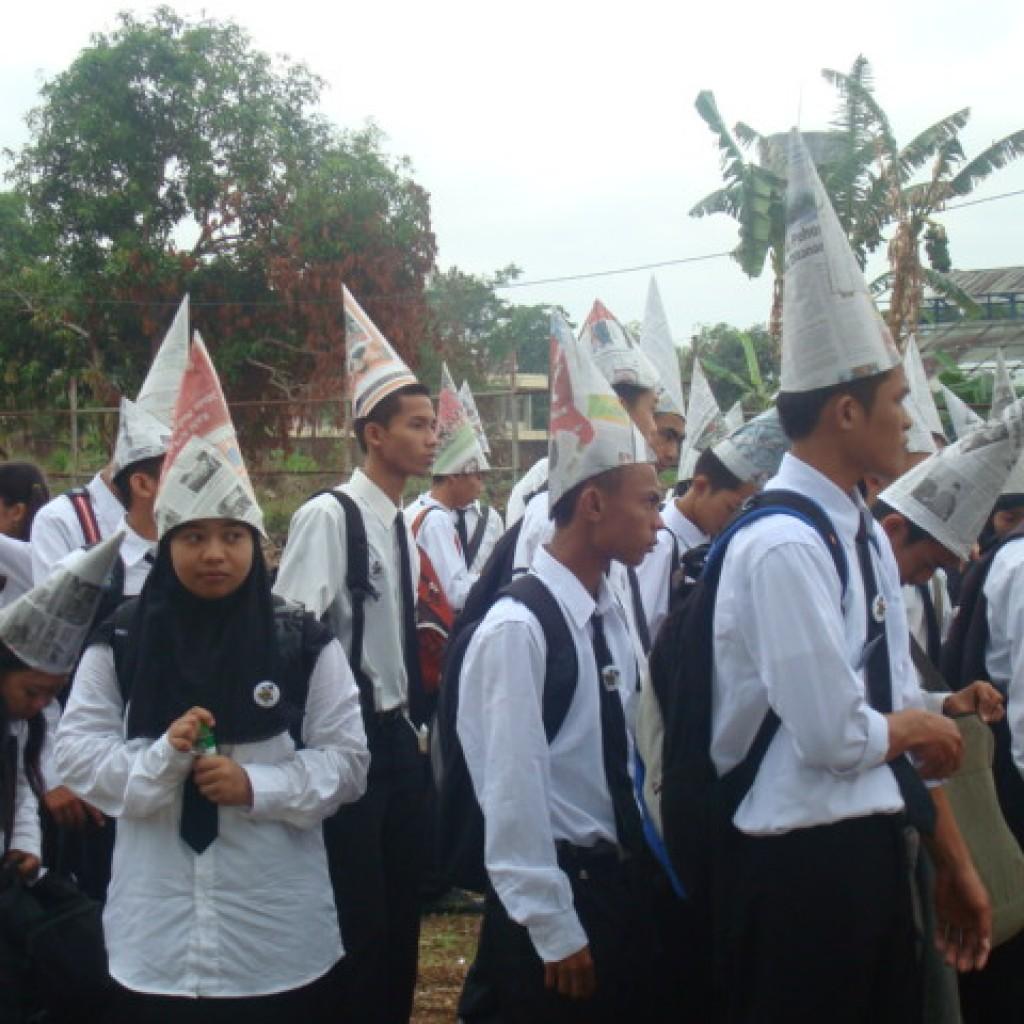 simbol pemurtadan dan kristenisasi
