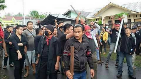 Video Massa Salibis Meneror Masjid dan Rumah Umat Islam di Bitung