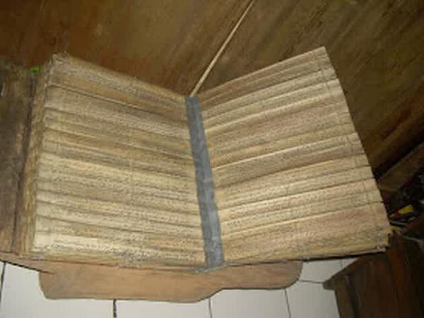 Pusaka Milik Suku Papua Berumur Ratusan Tahun Ternyata Al-Qur'an