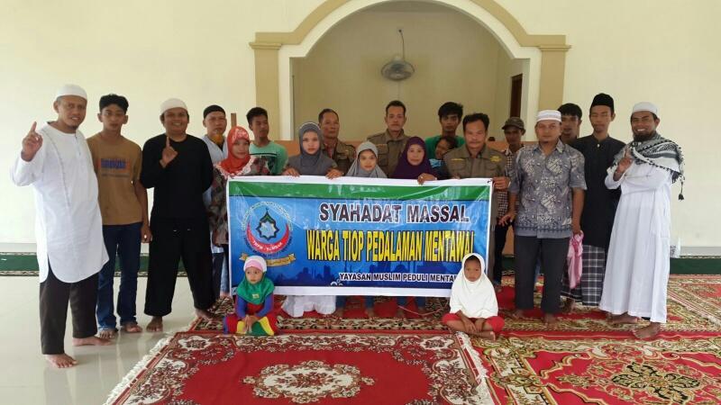AlHAMDULILLAH 33 Warga Mentawai Masuk Islam