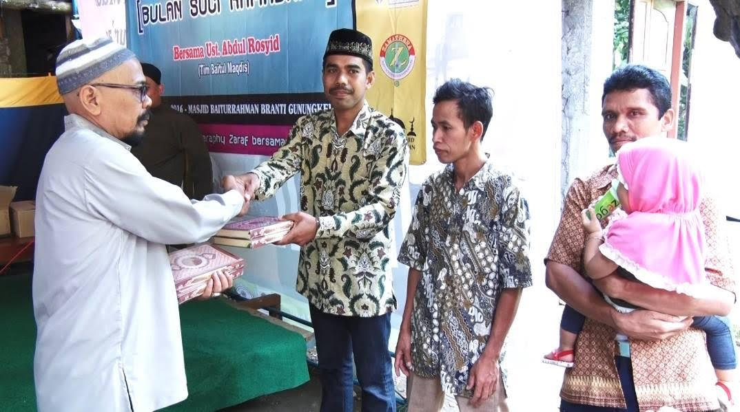 Qur'an Wakaf YBM Untuk Para Muallaf Gunung Kelir, Kulon Progo