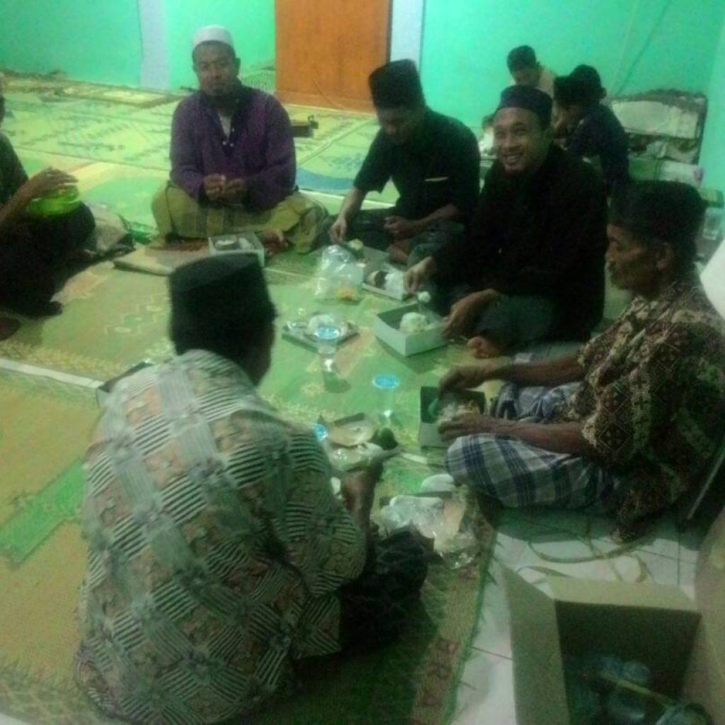 Suasanan berbuka Di masjid At Taubah