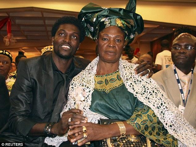 Emmanuel Adebayor Masuk Islam, karena umat Islam Adalah pengikut Yesus sejati