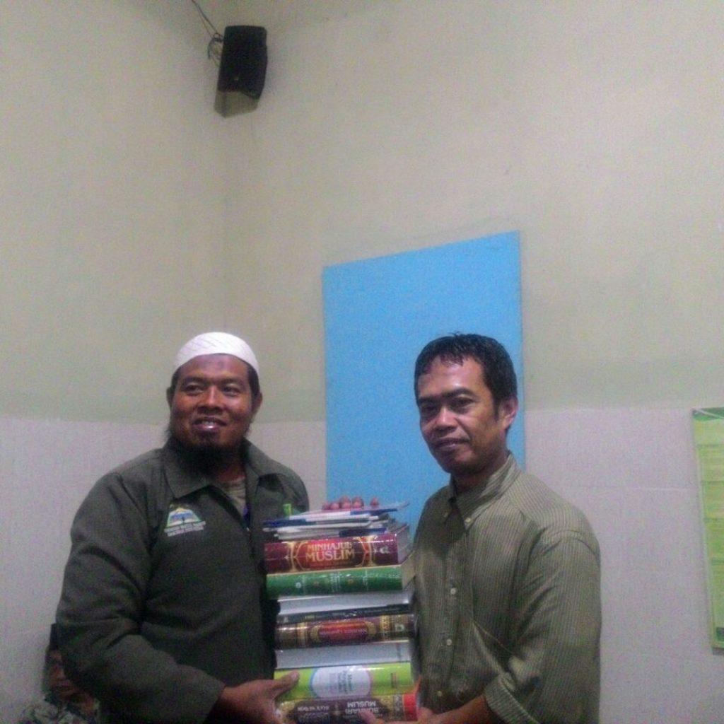 Pembagian Al Quan dan buku buku islam
