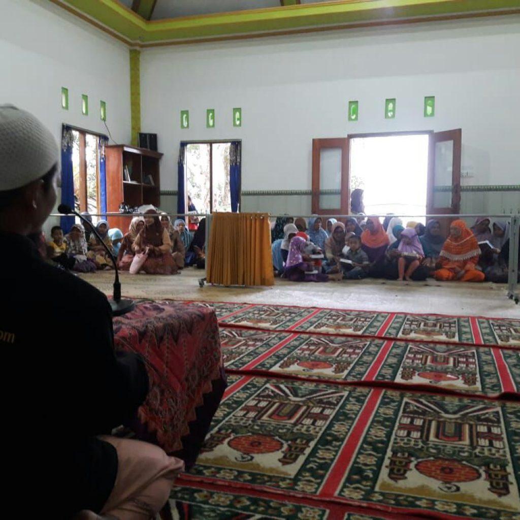 Ust. Muhammad Utsaimin Mengisi Kajian Sebelum Berbuka