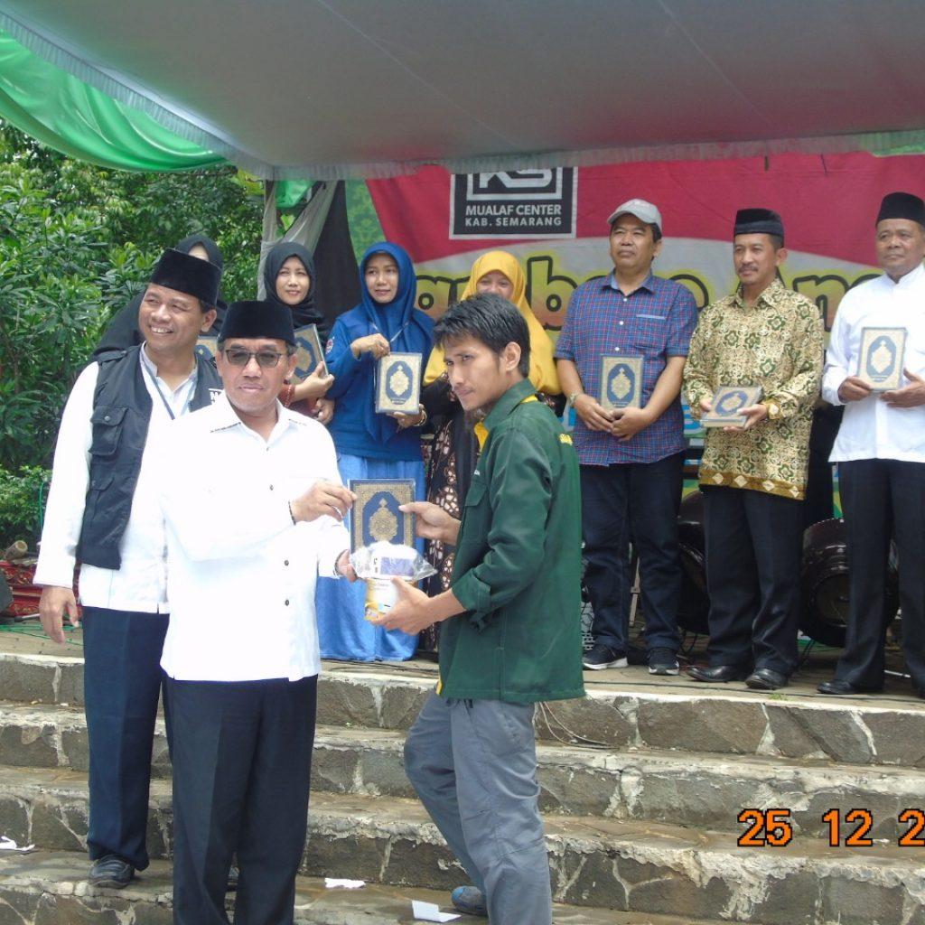 Wakaf Alqur'an jambore anak sholih salatiga 2